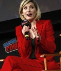jodie-whittaker-at-doctor-who-panel-at-new-york-comic-con-10-07-2018-5.jpg